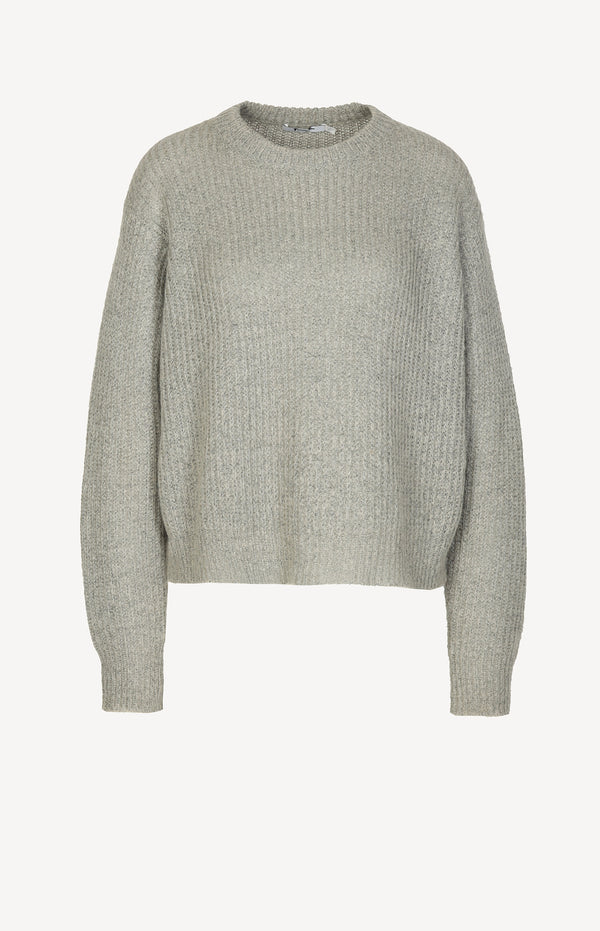 Boxy knitted sweater in gray