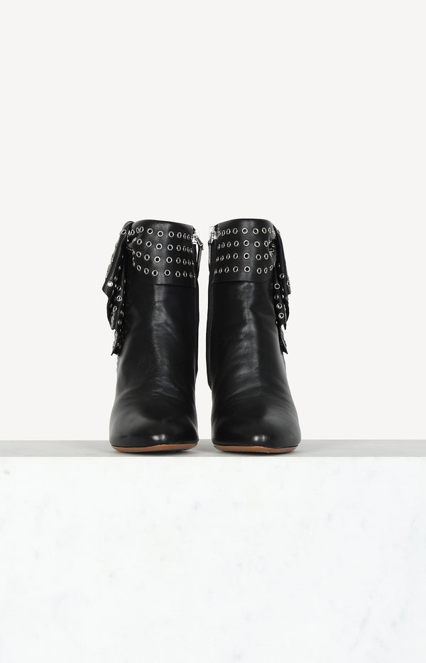 Ankle boots with zipper in black
