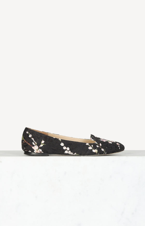 Flats with floral print in black / multi