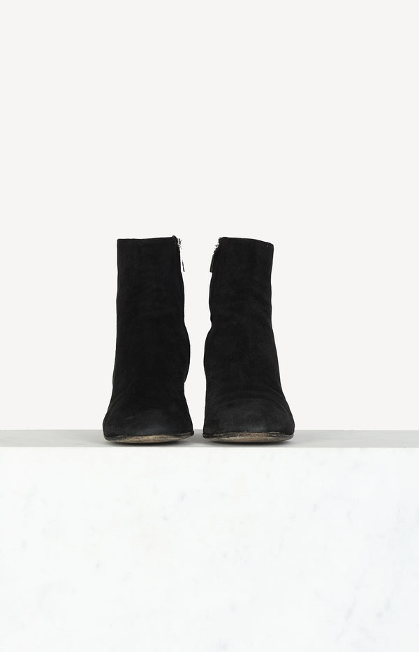 Classic ankle boots in black