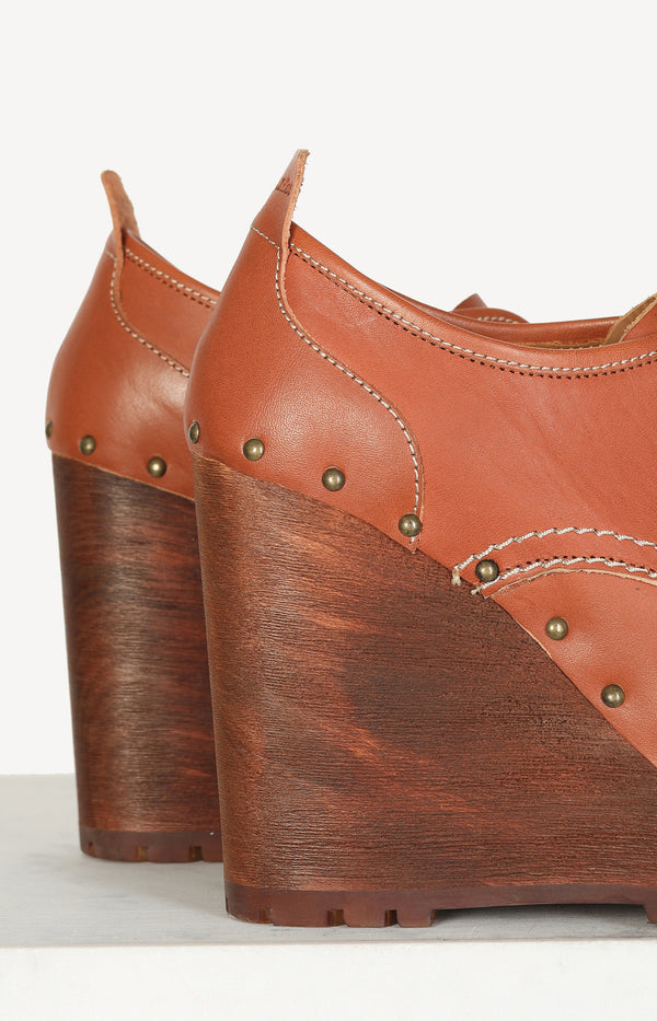 Ankle Wedges in Cognac