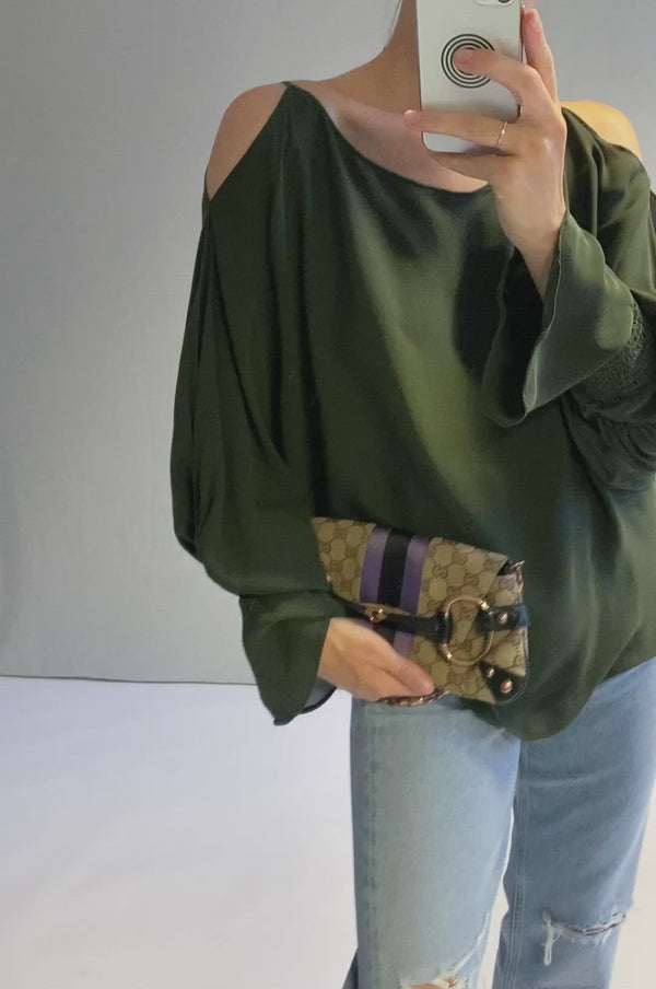 Seidenbluse mit Cut-Outs in Khaki