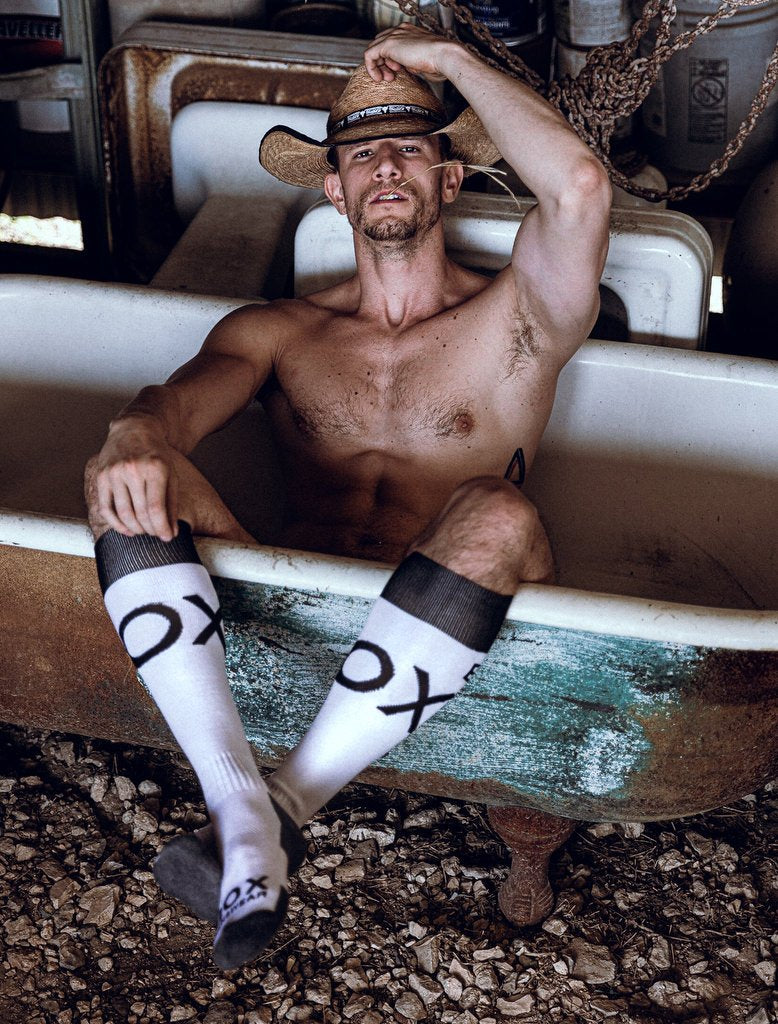 Ridick Naked In Bath Tub White Black Grey Football Socks