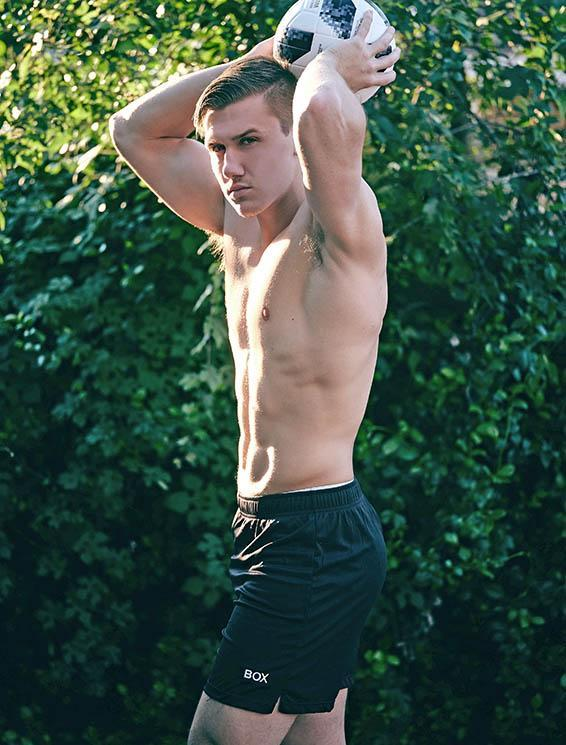 Bulge boxer shorts briefs male physique, muscle, male underwear editorial, male boudiour, male underwear, underwear, austin fitt thomas, box menswear, box, boxmenswear, underwear editorial