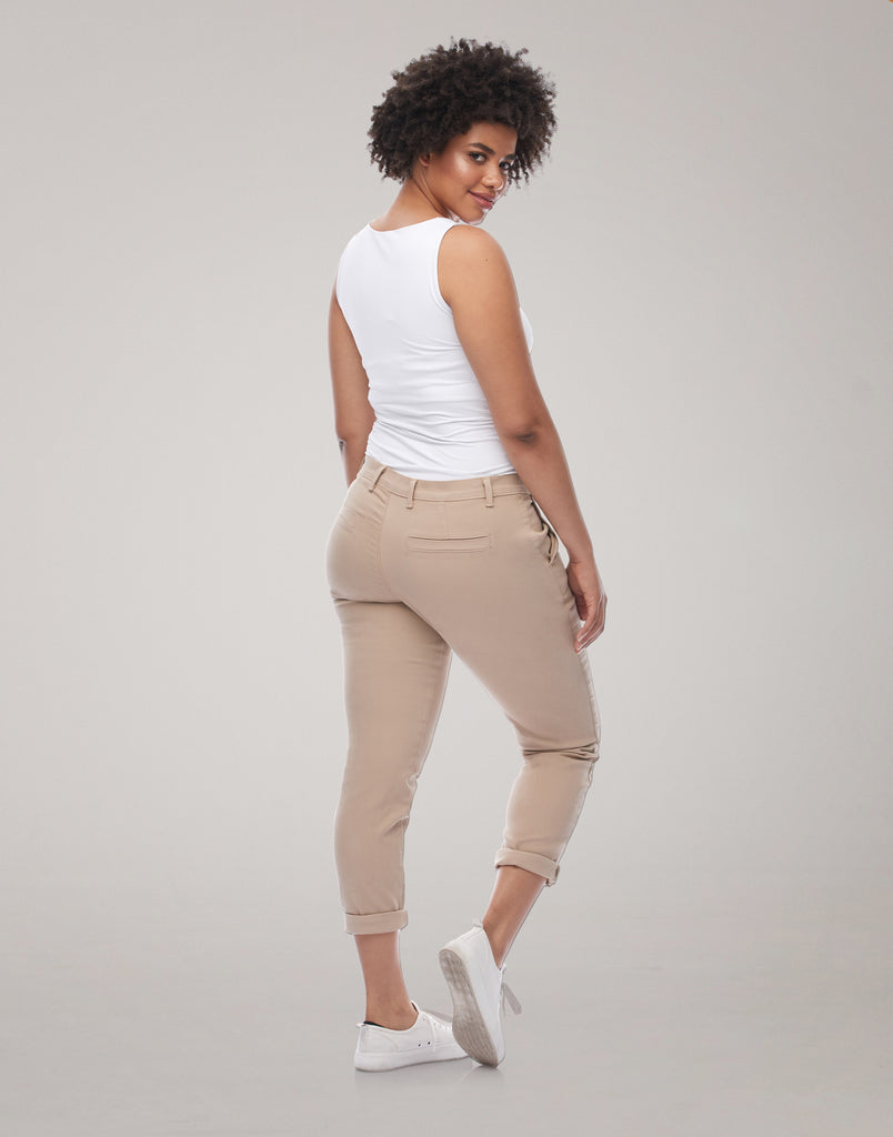 MALIA RELAXED SLIM JEANS / Sandcastle