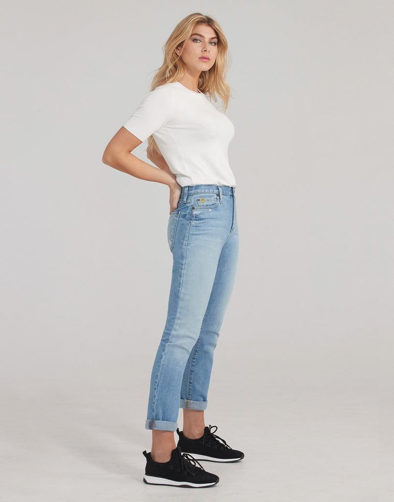 MALIA RELAXED SLIM JEANS / Ambience