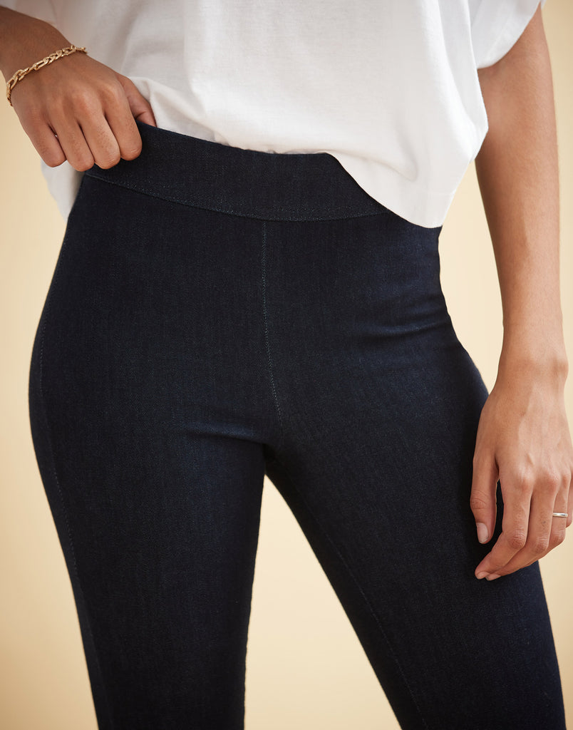 "HIGH RISE / RACHEL SKINNY / PRAGUE PULL-ON / 30"" INSEAM"