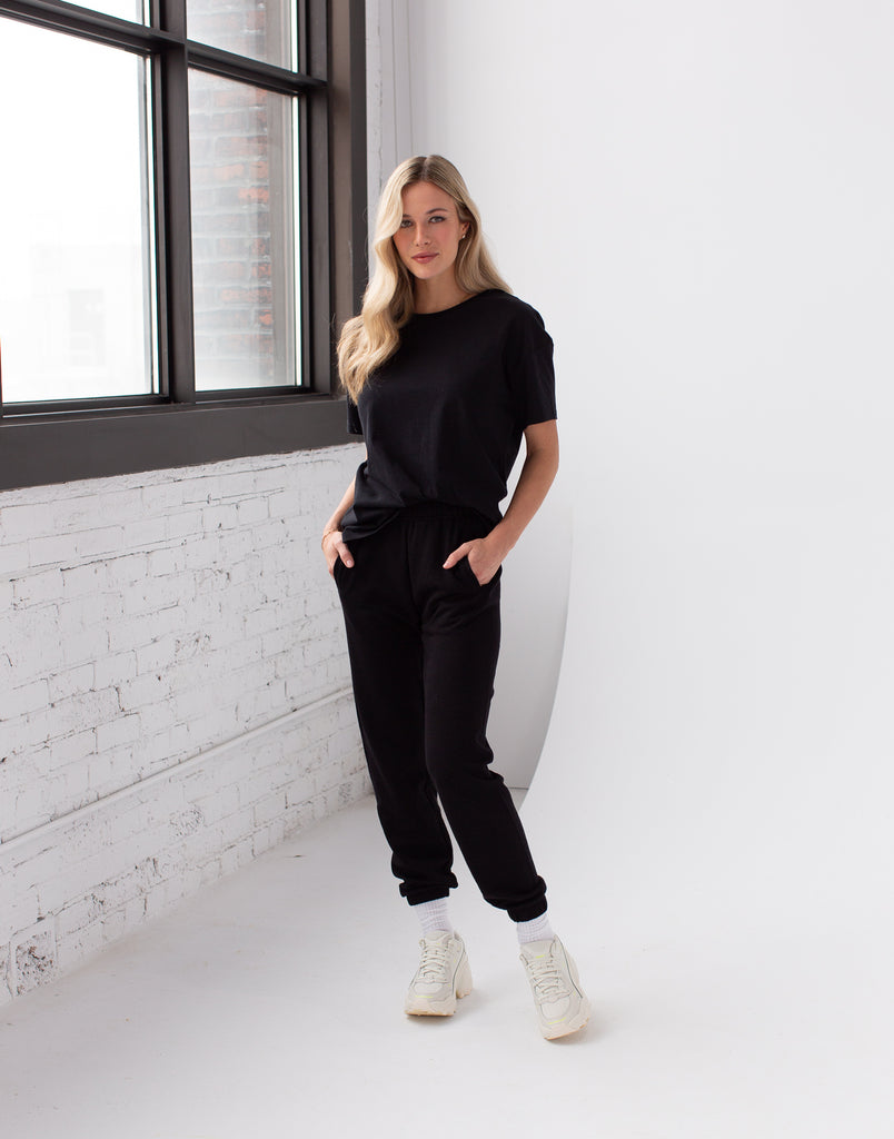 LIGHTWEIGHT JOGGER / BLACK