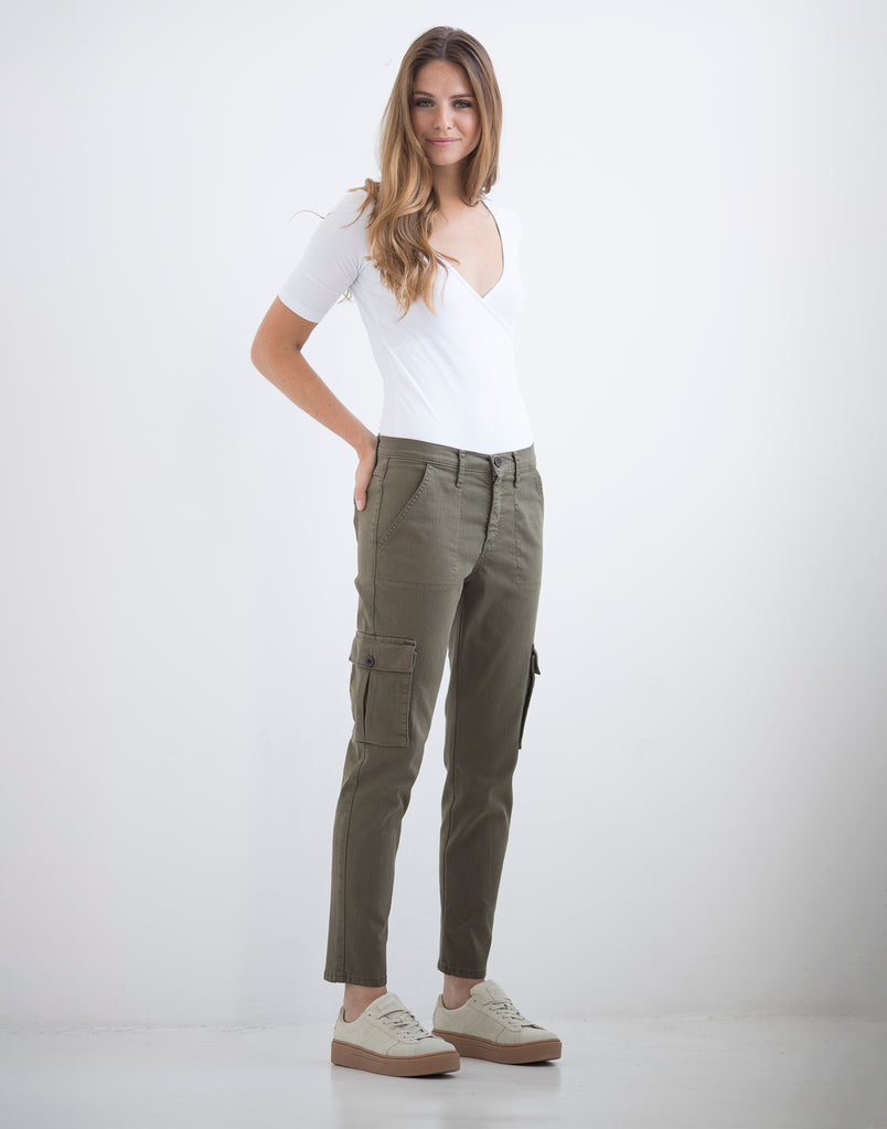 MALIA RELAXED SLIM JEANS / Safari