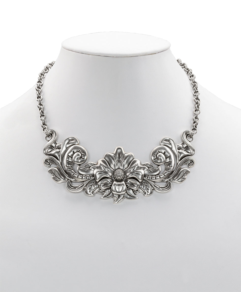 Tooled Flower Adjustable Necklace - Silver Ox