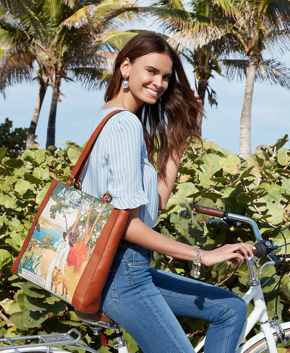 Viana Tote - Poster Collection 5