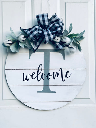 Initial welcome sign