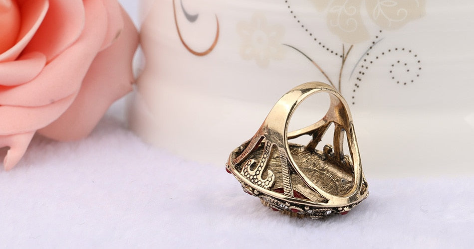 Vintage Luxury Stone Ring