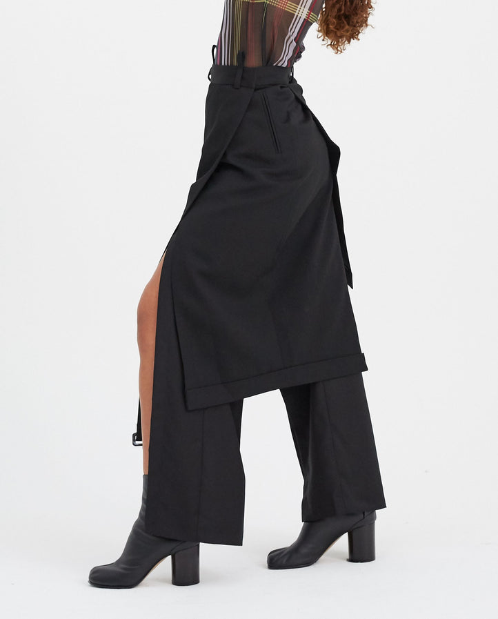 Asymmetrical Unisex Skirt - Black WOMENS DELADA