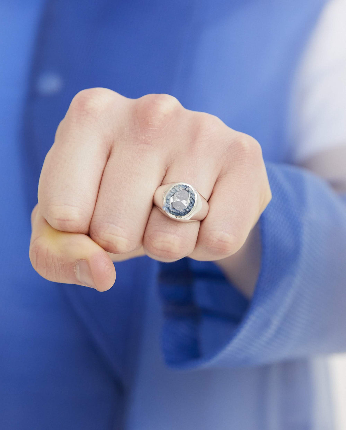Oval Embedded Signet Ring - Blue UNISEX SWEETLIMEJUICE