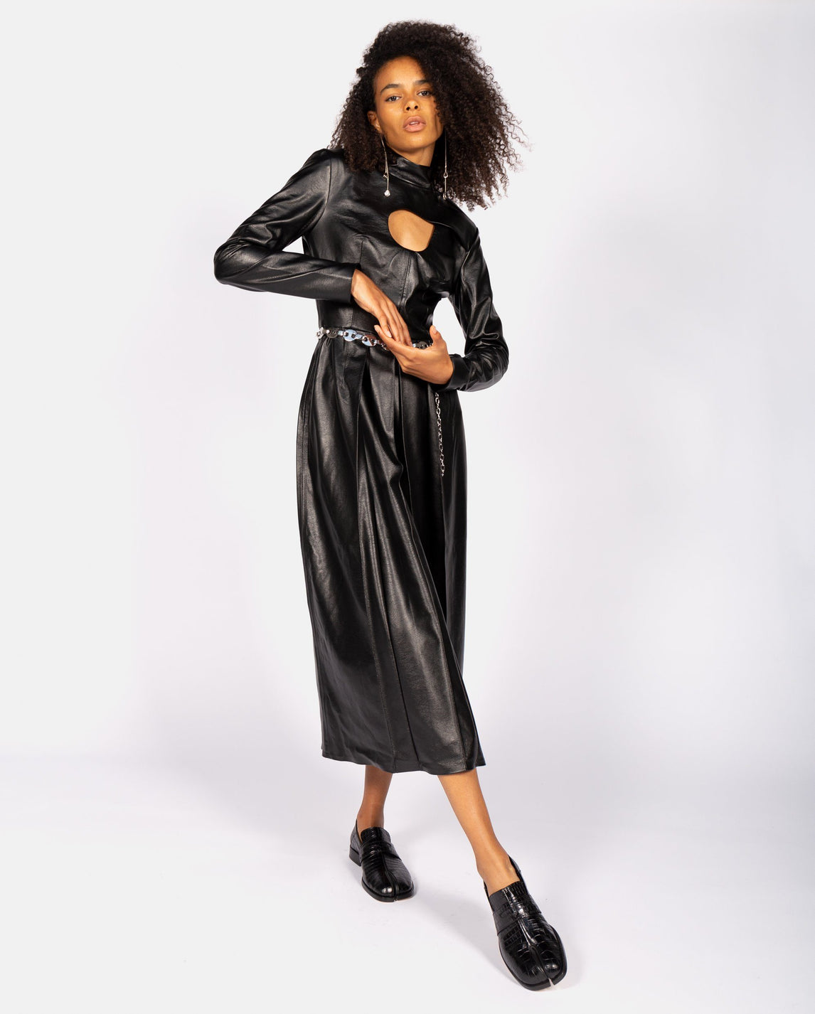 Swirl Cut-Out Pleated Dress - Black UNISEX MATERIEL
