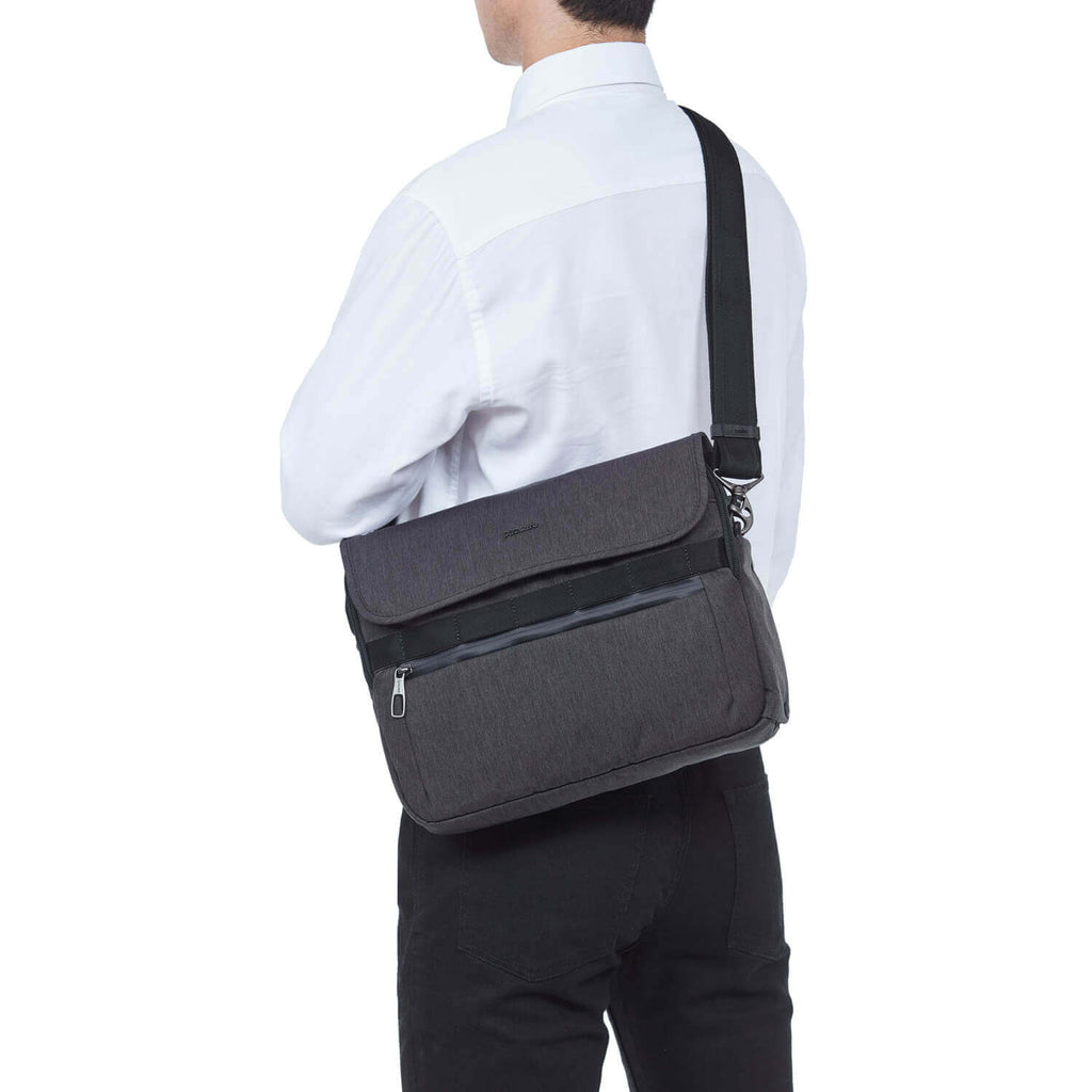 Metrosafe X Anti-Theft Messenger Carbon