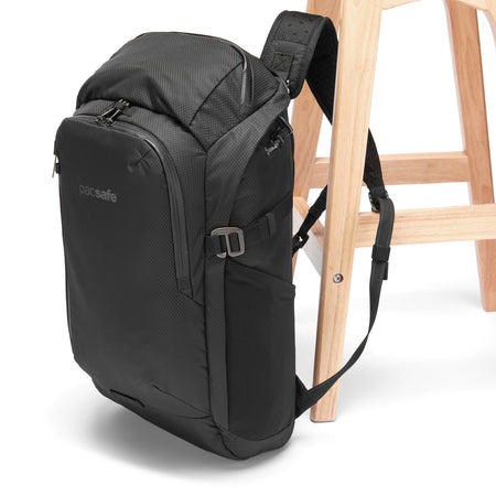 Venturesafe X30 Anti-Theft Backpack