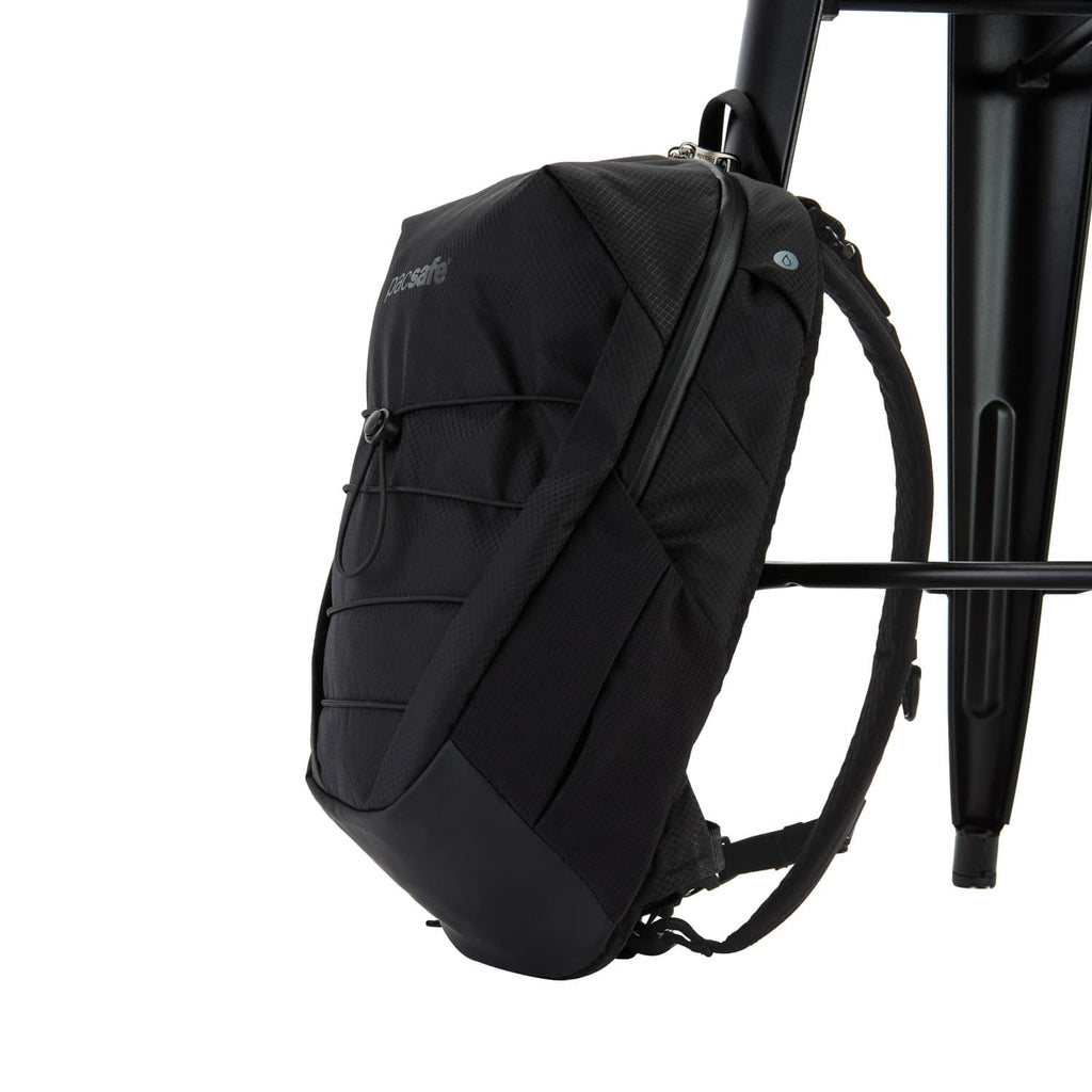 Venturesafe X12 Anti-Theft Backpack, Black