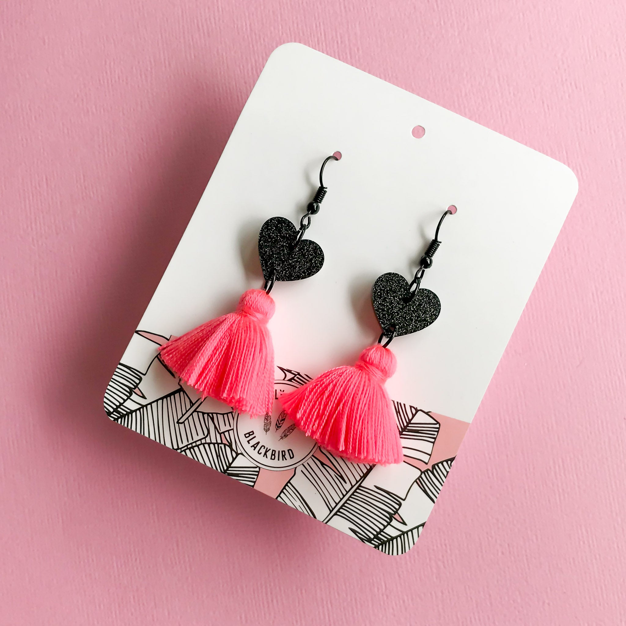 Black Heart Dangle - Hot Pink