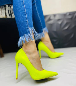 """Dixie"" Snake Skin Embossed Pointed Pumps - Neon Yellow"