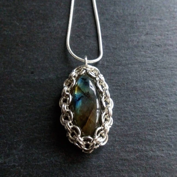 Silver set labradorite pendant. - The Biscuit Marketplace