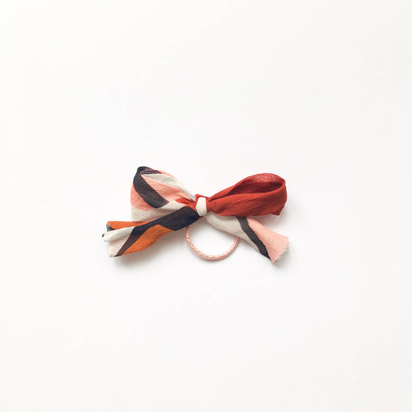 Pigtail bow clips