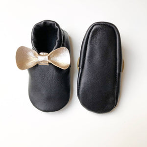 Baby girl shoes with a bow - The Biscuit Marketplace