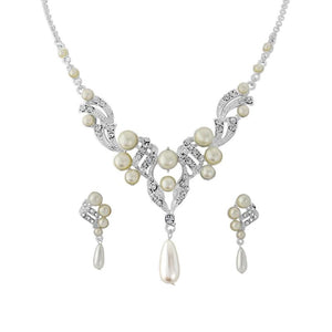 Luxe Pearl Necklace & Earrings Set