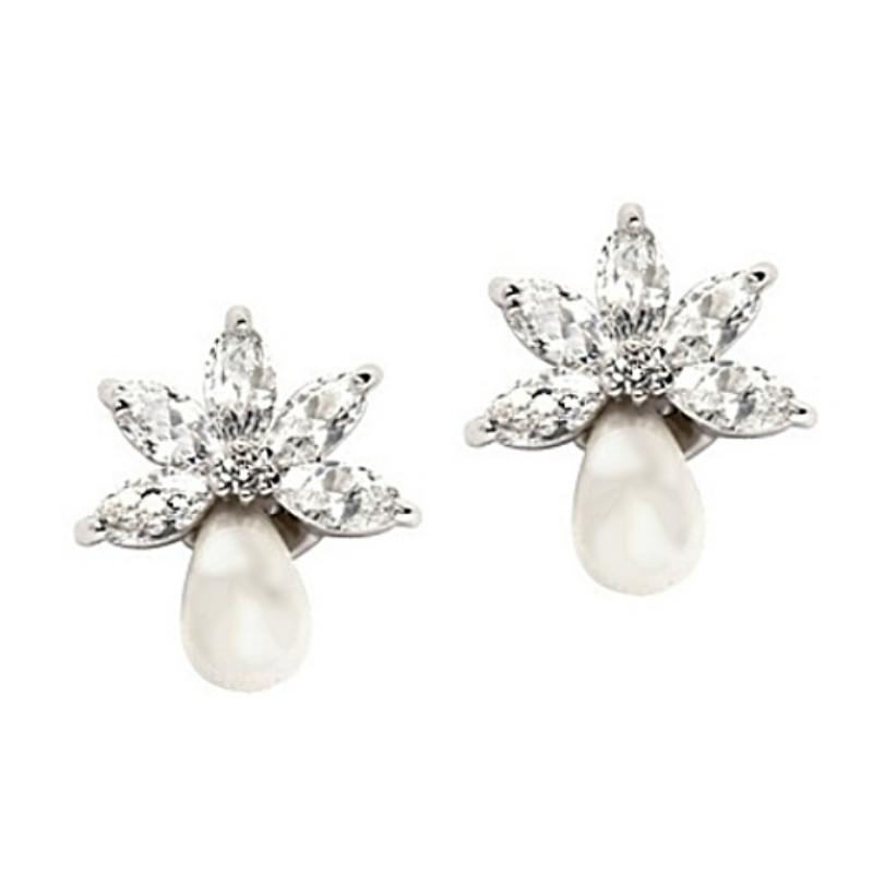 Pretty Chic Pearl Drop Bridal Earrings