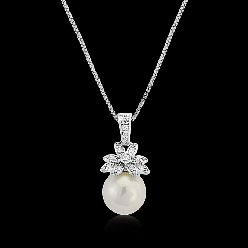 Vintage Chic Pearl Silver Wedding Necklace