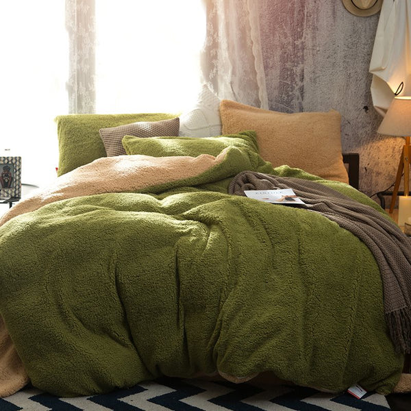 Solid Green and Camel Reversible Polyester Faux Sherpa 4-Piece Bedding Sets/Duvet Cover