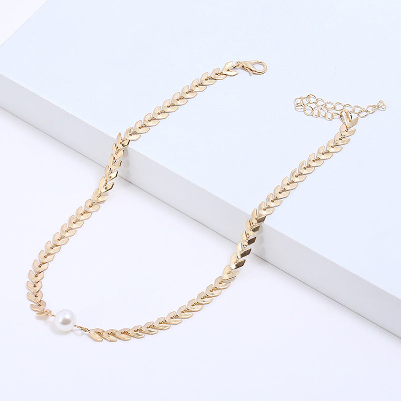 Golden Short Clavicle Chain Wonen's Fashion Necklace with Pearl
