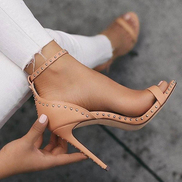 Summer Casual Heel Sandals Rivet Heel Covering Stiletto femminile