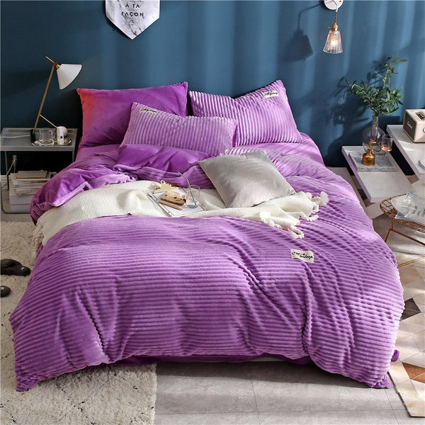 Gewellte Form Princess Style Elegant Purple 4-Piece flauschige Bettwäsche-Sets / Bettbezüge