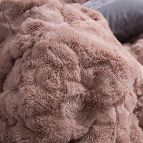 Solid Khaki con decorazioni Fuzzy Ball Faux Rabbit Fur 4-Piece Fluffy Bedding Sets