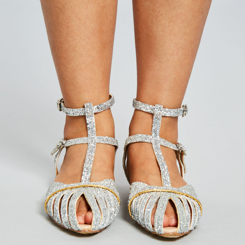 Strappy T-Shaped Buckle Pointed Toe Buckle Plain Sandals