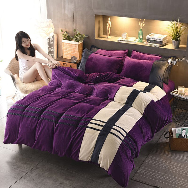 Stripes Pattern Elegant Purple Coral Fleece 4-Piece Fluffy Bedding Sets / Copripiumino