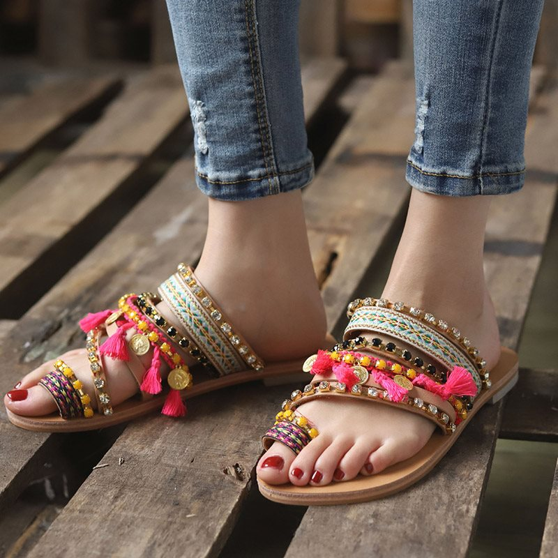 Slip-On Flat With Beads Toe Ring Pantofole casual etniche