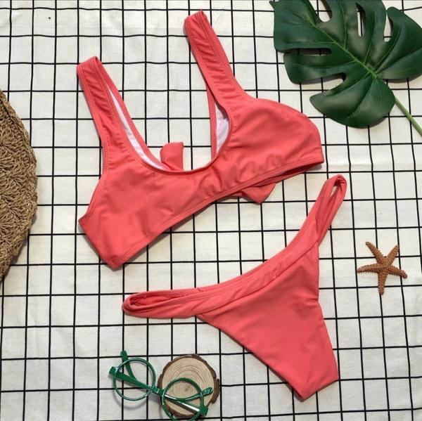 Bikini con vendaje estilo push up nudo