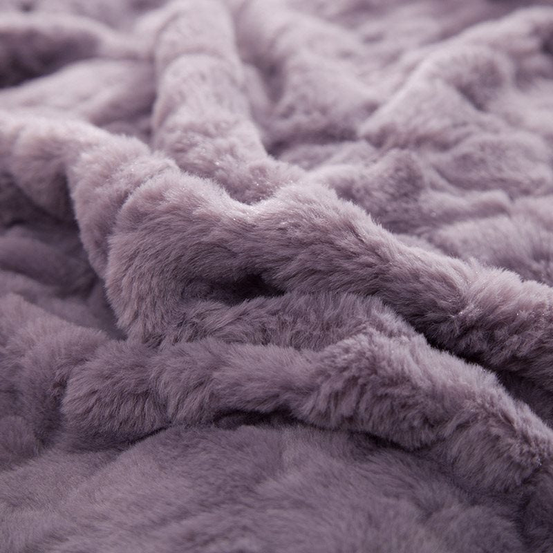 Solid Purple con Decorative Fuzzy Ball Faux Rabbit Fur Fluffy 4-Piece Fluffy Bedding Sets