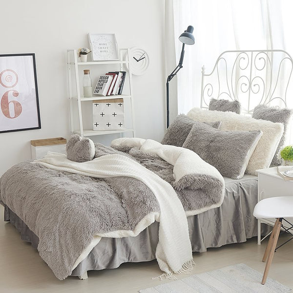 Fluffy Solid Gray and White Color Blocking 4-Bedding Sets/Duvet Cover