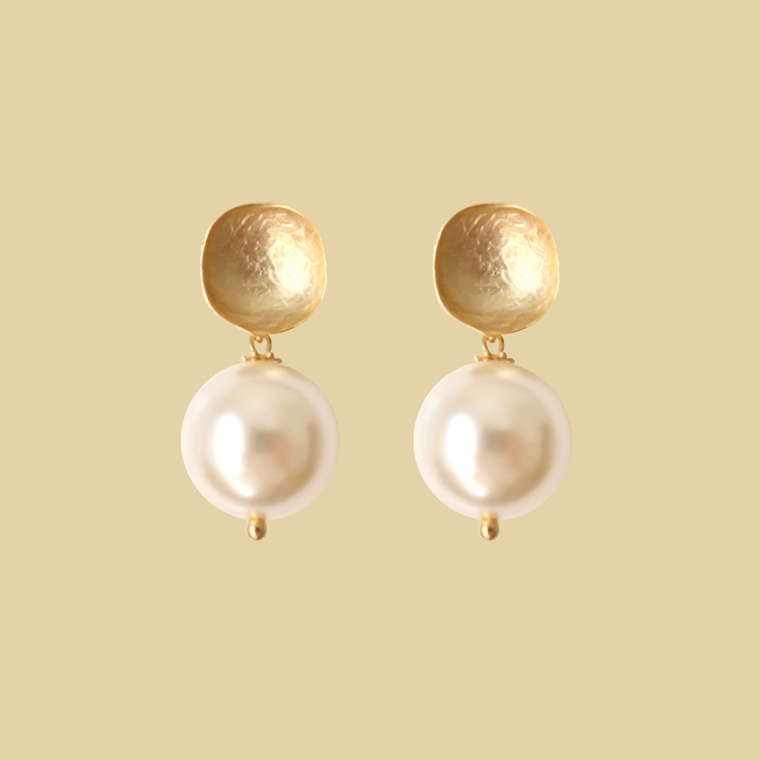 Petit Bonbon statement whisper white earrings oorbellen
