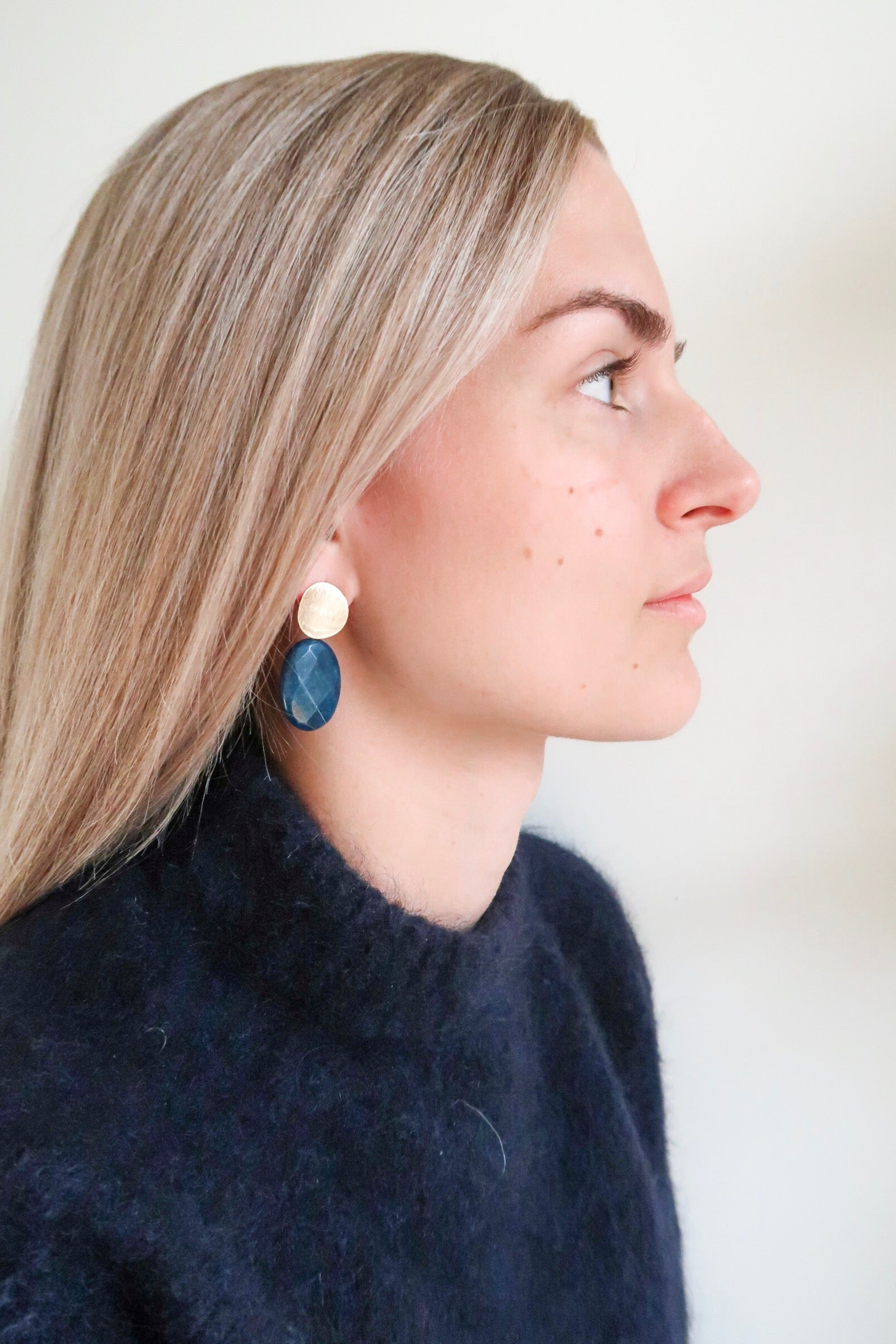 Petit Bonbon statement bluestone earrings oorbellen