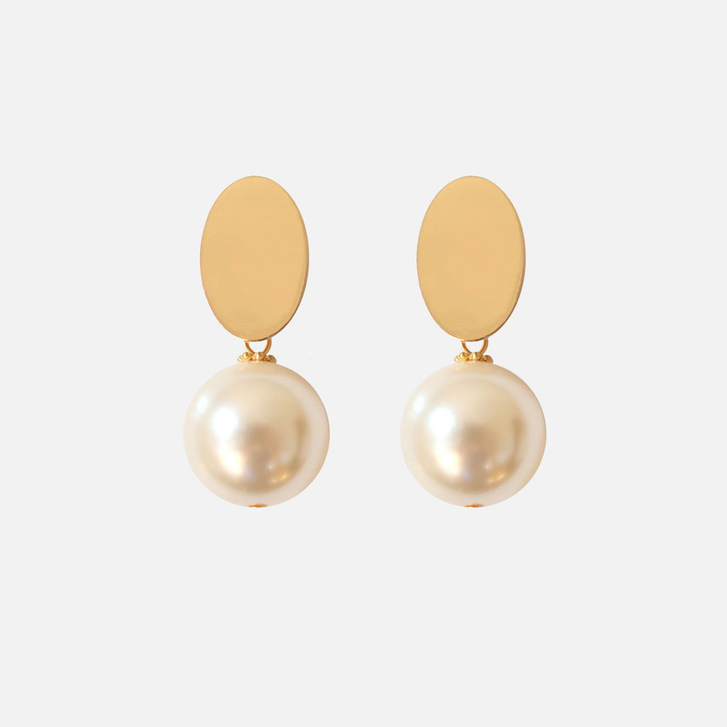 Petit Bonbon statement leaf gold earrings oorbellen