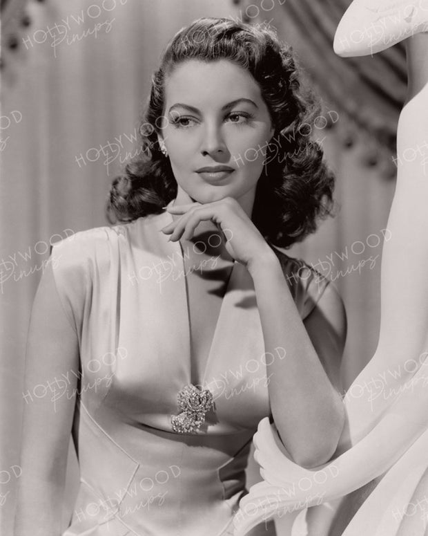 Ava Gardner Graceful Glamour 1944 - NEW ! | Hollywood Pinups | Film Star Colour and B&W Prints