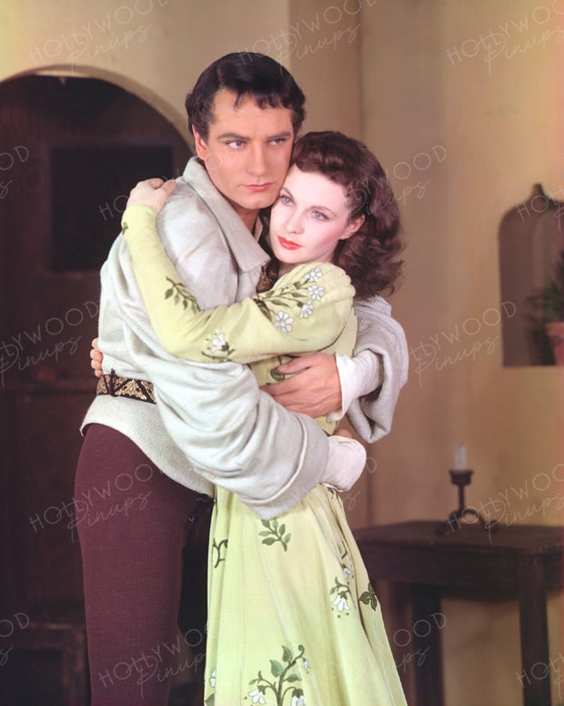Laurence Olivier & Vivien Leigh ROMEO AND JULIET 1940 | Hollywood Pinups | Film Star Colour and B&W Prints