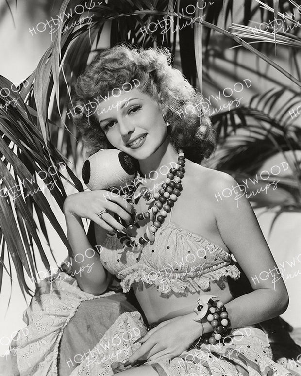 Rita Hayworth Tropical Treat 1943 | Hollywood Pinups Color Prints