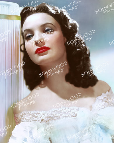 Linda Darnell Luminous Beauty 1940 | Hollywood Pinups Color Prints