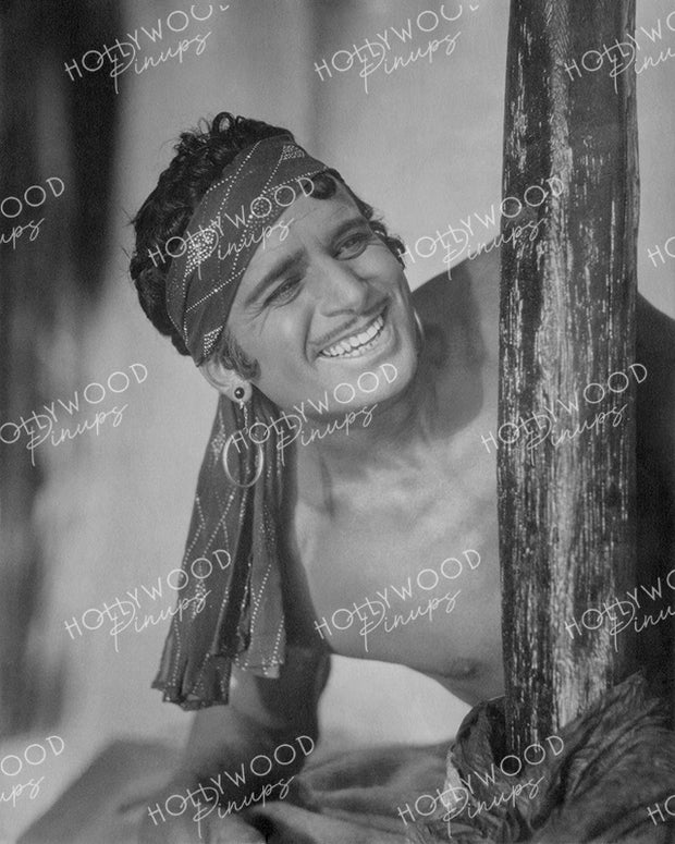 Douglas Fairbanks in THE THIEF OF BAGDAD 1924 | Hollywood Pinups Color Prints